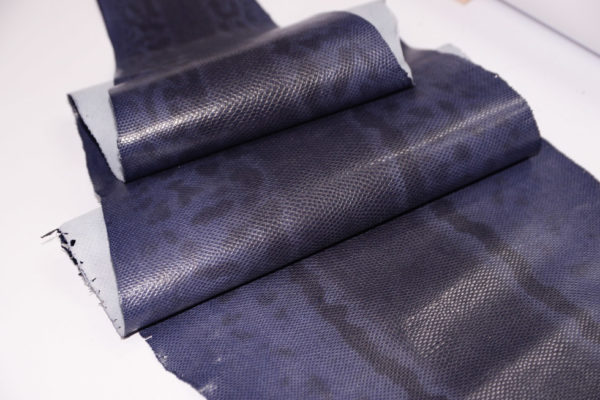 Кожа змеи (Karung), фиолетовая, 130х25 см-101239
