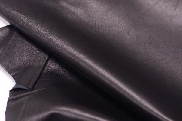 Кожа одёжная МРС, чёрная, 54 дм2.-103218