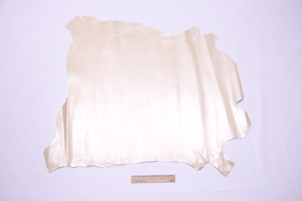 Кожа МРС, бежевая с перламутром, 42 дм2.-104188