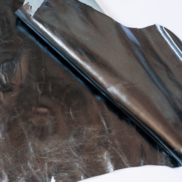 Кожа МРС, чёрная с серебристым эффектом, 50 дм2.-938006