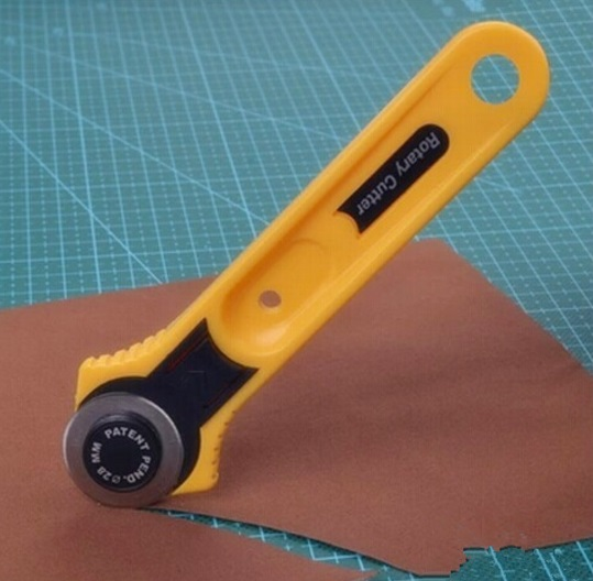Круговой роликовый нож для резки - 28 мм.-1099