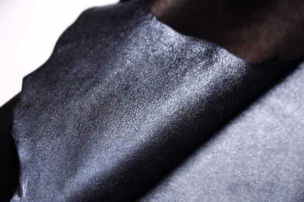 Велюр МРС с напылением, черно-голубой металлик, 31 дм2.-107330