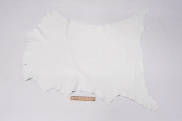 Кожа одёжная МРС, белая, 5,5 фут. (51 дм2.)-301001
