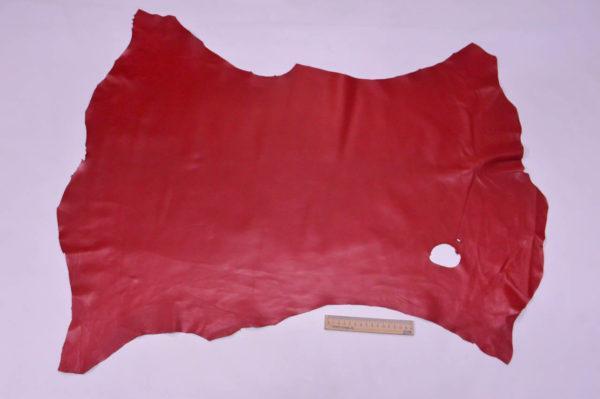 Кожа одёжная МРС, красная, 5,75 фут. (53 дм2.)-301007