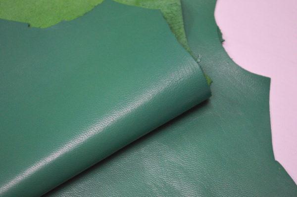 Кожа одёжная МРС, зелёная (изумрудная), 8,25 фут2.-401017