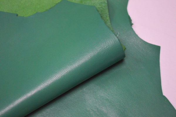 Кожа одёжная МРС, зелёная (изумрудная)- Pb-111