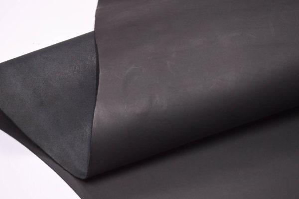 Кожа КРС растительного дубления, чёрная, 91 дм2.-501147