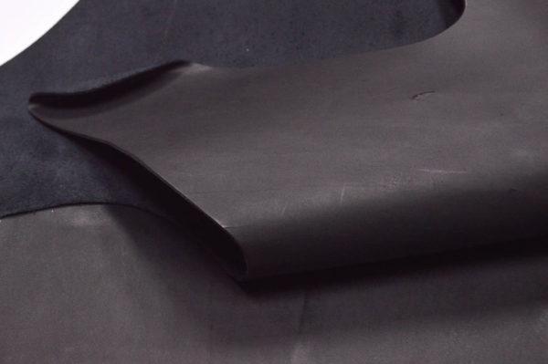Кожа КРС растительного дубления, чёрная, 167 дм2.-501149