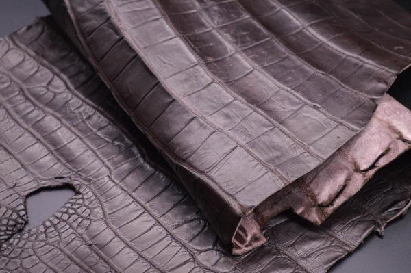 Кожа кроко, тёмно-коричневая, 71х25 см.- kr1-19