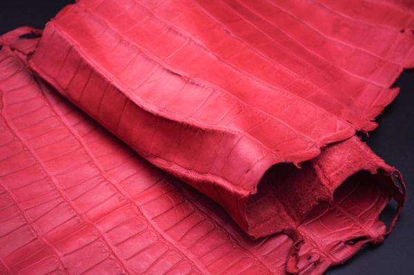 Кожа кроко, красная, 69х25 см.- kr1-38