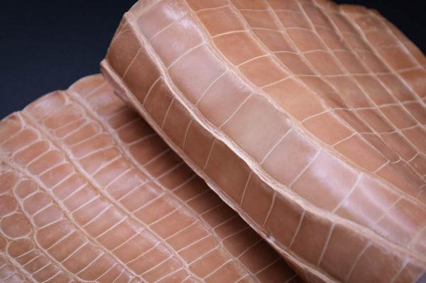 Кожа кроко, розовая карамель, 49х19 см.- kr1-9