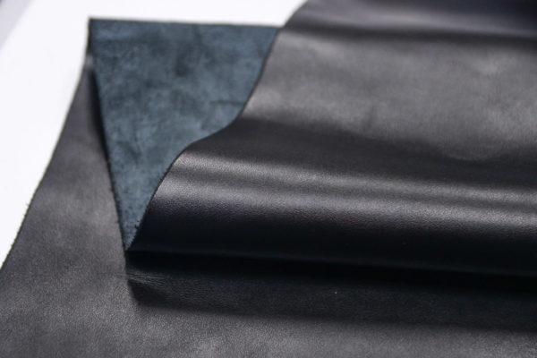 Кожа КРС, чёрная, 184 дм2.-501175