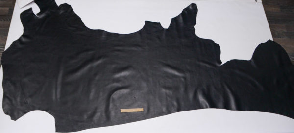 Кожа КРС, чёрная, 182 дм2.-501176