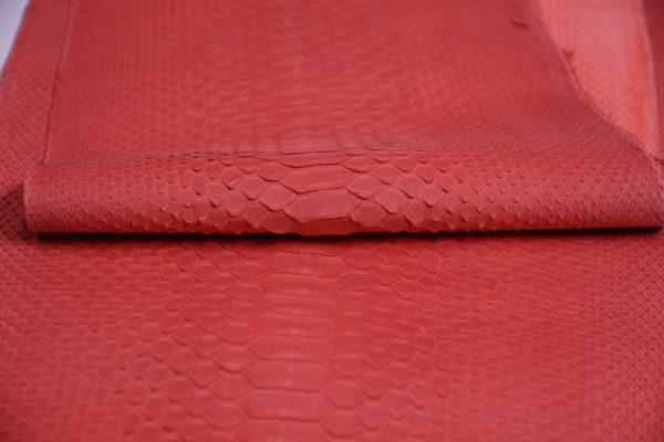 Кожа питон, красная, 275х33 см.-zm2-1