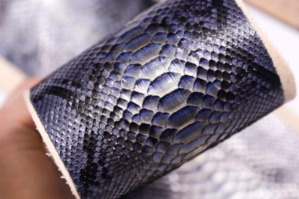 Кожа змеи, серо-голубая с перламутром 58х10-zm2-21