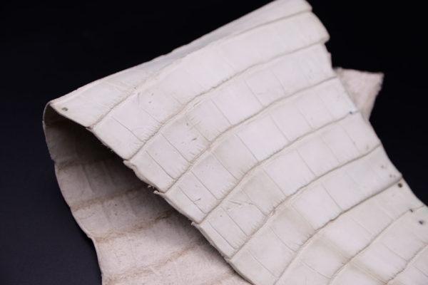 Кожа кроко, грязно-белая, 33х20 см.- kr1-98