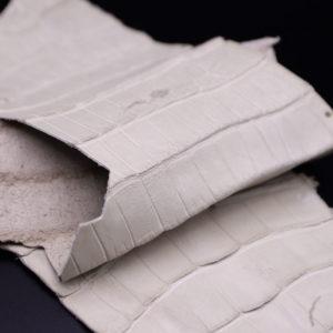 Кожа кроко, грязно-белая, 54х17 см.- kr1-99