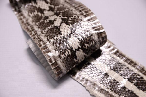 Лоскут кожи змеи, мультицвет, 62х8 см.-zm2-52
