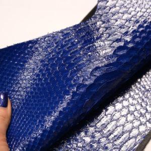 Лоскут кожи питона, синий, 31х22 см.-zm2-62