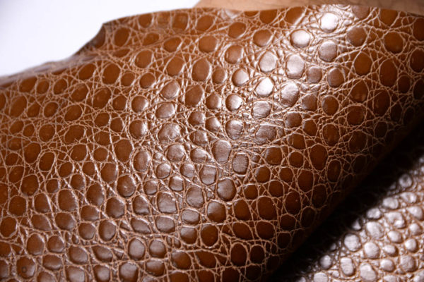 Кожа МРС с тиснением, светло-коричневая, 66 дм2.-108421