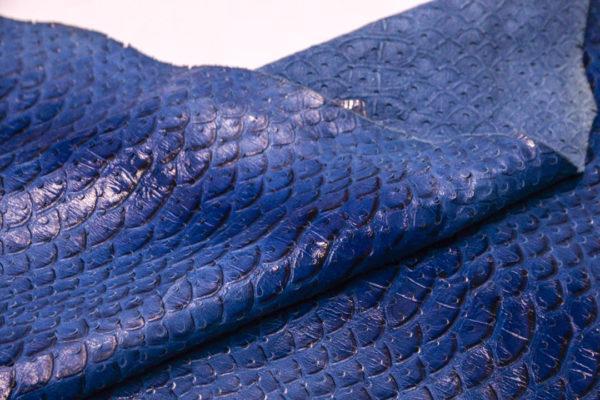 Кожа КРС с тиснением и перфорацией, синяя, 112 дм2.-AB1-11