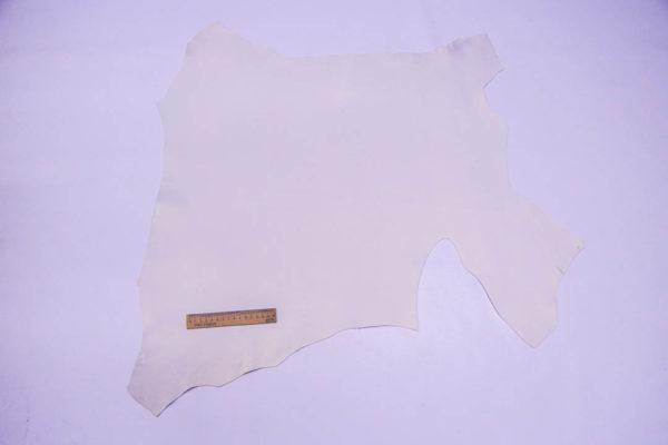 Кожа МРС, грязно-белая с перламутром, 40 дм2.-108559