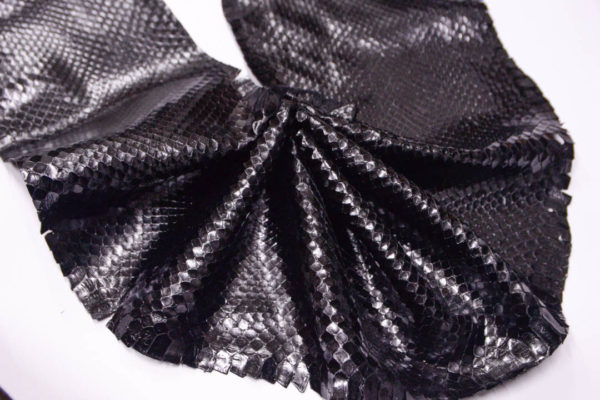 Кожа питона, чёрная, 210х19 см.-zm3-13