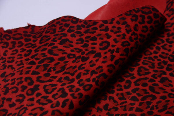 Велюр МРС, красный леопард, 49 дм2.-108772