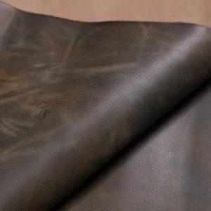 Кожа КРС с эффектом пулап (Pull up) и тиснением, светло-коричневая, 136 дм2.-108860