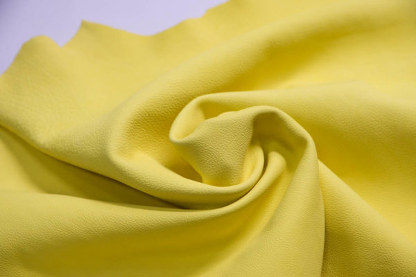 Кожа КРС, светло-желтая, 94 дм2.-109221