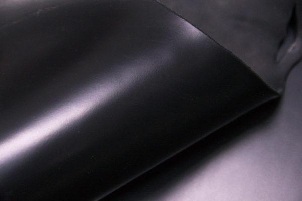 Кожа КРС ременная, черная, 203 дм2.-D1-24