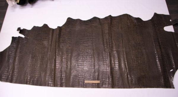 Кожа КРС с тиснением под кроко, коричневая, 150 дм2. -109386