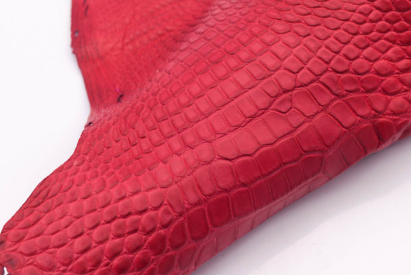 Кожа крокодила, малиновая- kr-157