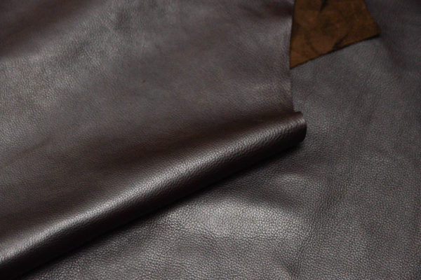Кожа КРС, темно-коричневая, 160 дм2.-D1-49