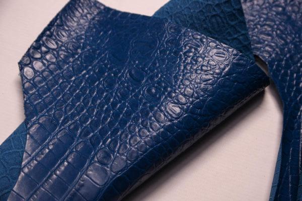 Кожа КРС с тиснением под кроко, синяя. -109481