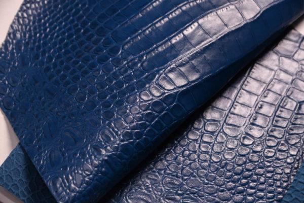 Кожа КРС с тиснением под кроко, синяя, 27 дм2. -109482