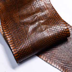 Кожа змеи, коричневая, 88х13 см.-zm4-135