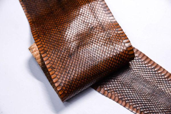 Кожа змеи, коричневая, 92х12 см.-zm4-139