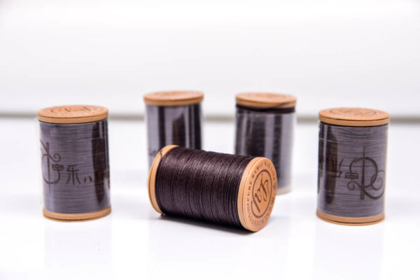 """Нить """"GALACES"""" вощеная круглая 0,55 мм. Волокно RAMIE. Темно-коричневая-m005"""