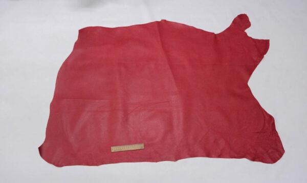 Кожподклад свиной (спилок) вощёный, малиновый, 10 фут (93 дм2).-PT1-56