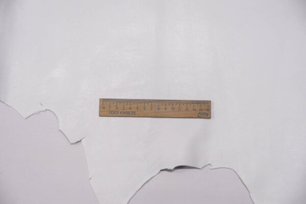 Кожа МРС, белая, 84 дм2.-PT1-69