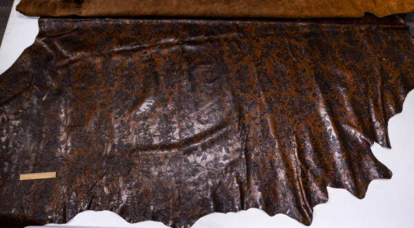 Кожа КРС с тиснением, темно-коричневая, 437 дм2.-AB1-93