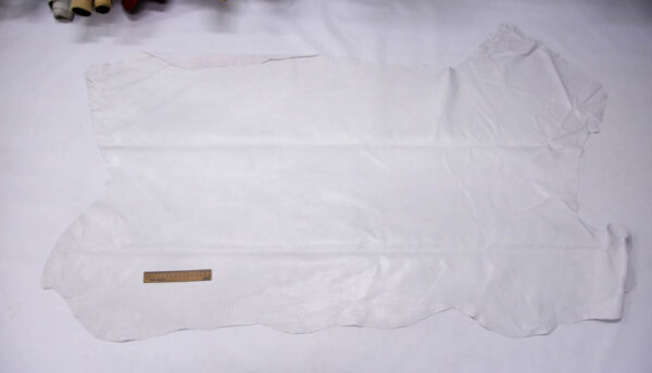 Кожподклад свиной (спилок) вощёный, белый, 114 дм2.-PT1-89