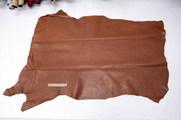 Кожподклад свиной (спилок) вощёный, коньячный, 102 дм2.-PT1-93
