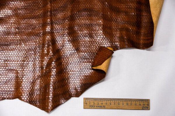 Кожа КРС с тиснением и принтом, коричневая, 50 дм2. -109649
