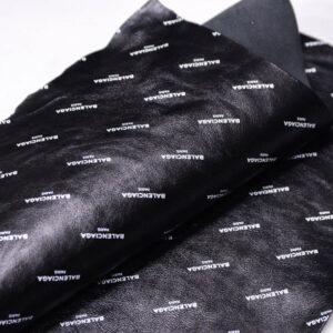 Кожа КРС с принтом, черная, 31 дм2. -109657