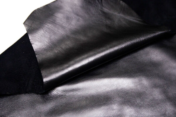 Кожа КРС, черная, 127 дм2.-D1-194