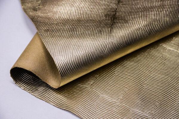 Кожа КРС растительного дубления с тиснением под игуану, пола, светлое золото, 120 дм2. -109661