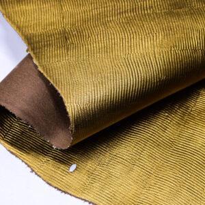 Кожа КРС растительного дубления с тиснением под игуану, пола, темное золото, 97 дм2. -109662