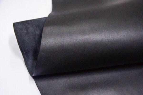Кожа КРС ременная, черная, 233 дм2.-D1-224